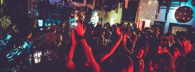 Dazed Disco Bath: The Dance Off