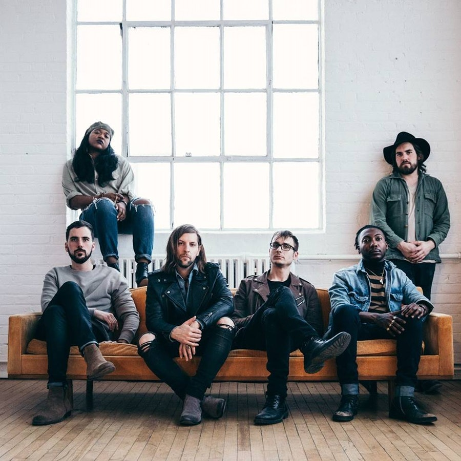 Welshly Arms & The Glorious Sons