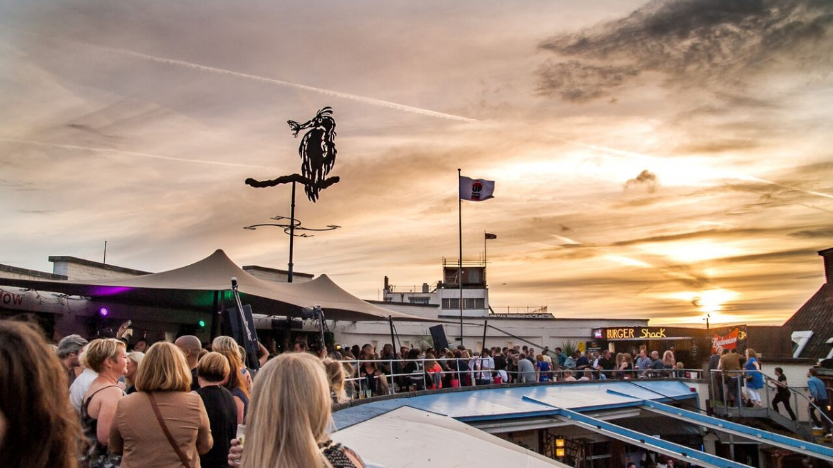 Brixton Summer rooftop series: GW Harrisson, Casino Times